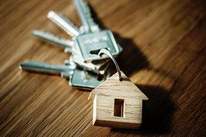 Deveres de identificação e diligência acrescidos nos negócios imobiliários